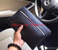 bolso de cuero italia negro al por mayor-bolsos de diseño de lujo bolsos bolsos de embrague de diseñador para hombres Clutch de cuero de calidad superior de Italia 33003 bolso de cuero cuadrado negro con cremallera