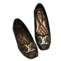 sapatos mocassim para mulheres venda por atacado-Venda quente 2018 Mulheres sapatos únicos Moda Luxo rodada cabeça Sapatos Marca Mocassins de Alta Qualidade Sapatos Casuais Planas tamanho 35 ~ 42 S20669