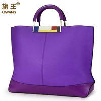 bolso de cuero púrpura del ordenador portátil al por mayor-Qiwang Bandera de Metal Grandes Bolsas de Mano Púrpura Marca Europea Designr Mujeres de Cuero Reales Bolsos Amplios Bolsos Grandes Portátil Portátil Digno C19032701