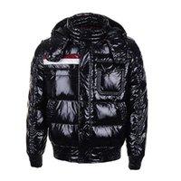 abrigo acolchado rojo al por mayor-Marca de moda de invierno de Down clásica de lujo caliente de la capa de la chaqueta de los hombres de las chaquetas de descuento para los hombres acolchado Hombre casacas rojas de alta calidad de la venta