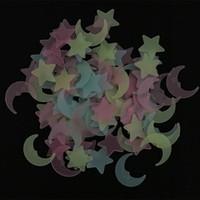 ay ışığı odası toptan satış-Ay Yıldız Duvar Çıkartmaları Karanlık Noctilucent Işık Sticker Çok Renkler Fullhome Oyuncak Çocuk Odası Dekor Romantik 2 8yn D1