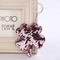 Wholesale Cute Petal Leaf Keychain Glitter Pompom Sequins Flower Key Chain Gifts For Women Llaveros Car Bag Accessories Key Ring Chaveiro