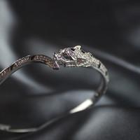mexikanische armbänder großhandel-Mexikanischer Leopard Kopf Diamant Armbänder Frau Tier Saphir Armreifen au750 Hochzeitsschmuck