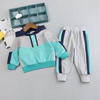 bebek mavi pantolon toptan satış-Bebek Boy Tasarımcı Giyim Bebek eşofman Bebek Boys Kız Kapşonlu Casua Patchwork Çocuk T Gömlek Pantolon 2pcs / Bebek Spor Giyimi ayarlar