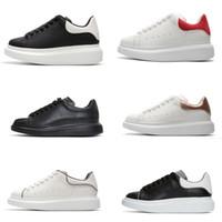 zapatos de suela gruesa blanca al por mayor-zapatos de moda mujeres hombres zapatillas de cuero 3M reflectante negro terciopelo blanco suela gruesa zapatos casuales de aumento de altura