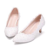 rosa kätzchen fersen hochzeit großhandel-2 Zoll Kätzchen Ferse Mädchen Kleid Schuhe Weiß Rosa Spitze Blume Party Prom Schuhe Plus Größe 10 Hochzeit Brautschuhe