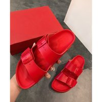 Wholesale casual sandals yellow color for sale - Group buy 2019 Leadcat women s designer sandals fashion red yellow color slippers ladies outdoor sports casual beach shoes kk090703