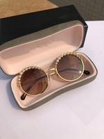 boite à lunettes achat en gros de-Chaînes Vintage Lunettes de soleil élégant France Designer Fashion Round Lunettes 100% UV Protection Marque Dégradé Lunettes de soleil avec Retail Box