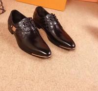 teil beiläufiges kleid großhandel-2019 neue Männer Kleid Casual Party Loafers Schuhe Rindsleder Single Schuhe Slip On Teil Hochzeit Herren Designer Müßiggänger