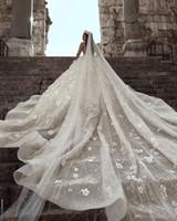 glamouröse ballkleid brautkleider großhandel-Ballkleid Brautkleider Glamourös Luxus Dubai Arabisch Neue Mode Spitze Mit Langen Ärmeln 3D Blumen Perlen Hochzeitskleid Brautkleider Benutzerdefinierte