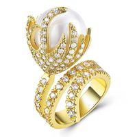 проектирует большие цветочные кольца оптовых-Мода Luxury Gold Цвет Punk Vintage Flower Big Pearl Ring Dragon Fruit Design Циркон кольцо для женщин Anillo Анель ANNEAU