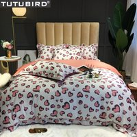Wholesale pink bedspreads queen size for sale - Group buy Pink heart shaped bedlinen lover Egyptian cotton bedding set duvet cover satin bedspread queen king size bed set in living room