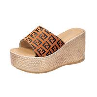 sandalias de tacón alto sandalias al por mayor-FF Mujer Diseñador Sandalias de cuña de verano Plataforma de tacón alto para mujer de la zapatilla de la diapositiva de la marca Fends Flip Flop Lujo playa zapatos C61004