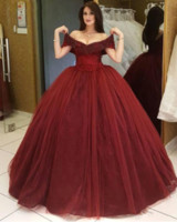 Wholesale cheap ball lights for sale - 2019 Off Shoulder Lace Appliques Beaded Ball Gown Prom Dresses Tulle Floor Length Custom Vestidos De Quinceanera Party Gowns Cheap Special