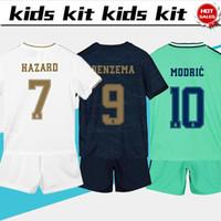 hosen für kinder jungen großhandel-2020 Kids Kit Real Madrid Fußball Trikots # 7 HAZARD # 9 BENZEMA 19/20 Jungenfußballtrikots Kinderset angepasste Fußballtrikots + Hosen