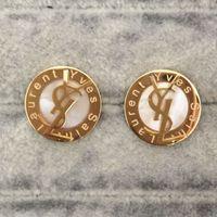 pendiente de plata al por mayor-2019 pendientes de lujo de calidad superior marca cartas oro plata perla pendiente oro plata Stud pendientes para las mujeres joyería del banquete de boda