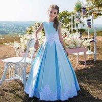 ingrosso vestito da wed di raso del bambino blu-Le ragazze adorabili del fiore del blu si vestono 2019 vestiti da compleanno del capretto del gioiello del collo senza bretelle appliques l'abito di promenade delle neonate del raso per nozze