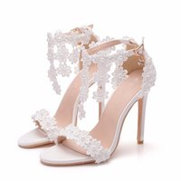 topuk parmak ayak bileği toptan satış-El yapımı Beyaz Dantel Çiçek Düğün Ayakkabı Burnu açık Ayak Bileği Sapanlar Yaz Sandalet Ince Topuk Beyaz Renk 4 Inç Nedime Ayakkabı