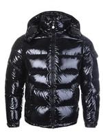 parka de hombre s invierno al por mayor-CALIENTE Nuevos hombres de las mujeres abajo abajo de la chaqueta abajo abrigos para hombre exterior cálido hombre de plumas abrigo de invierno outwear chaquetas Parkas