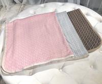 bebek battaniye çocukları toptan satış-Sonbahar Kış 2019 Yeni Doğan Bebek örgü kazak battaniye Erkek Kız Çocuklar Için Yumuşak Bebek Battaniye 3 renkler tops