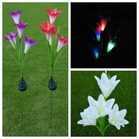 ingrosso fiori di giardino solare potenza-Solar Power Flower LED Light Garden Lampada solare Lampada da giardino decorativa Lampada da giardino Illuminazione esterna 4 Testa Lily zhao
