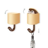 крюк для дома оптовых-New Wall Hook Key Holder Creativity Outstretch Squirrel Hook Wall Home Decoration Kitchen Bathroom Accessories Coat Hanger