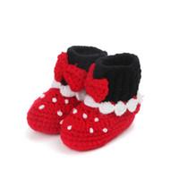 ingrosso pattini del puntino di polka delle neonate-1Pair Cute Baby Girls scarpe Off Red Polka Dot stampato Baby Girls uncinetto fatto a mano in maglia alta scarpe primi camminatori @ 30
