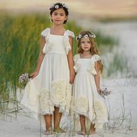 vestido para meninas flor cor hortelã venda por atacado-Elegante Alta Baixa Bohemia Vestidos Da Menina de Flor Para Vestidos De Casamento Pageant Praia Ruffled Boho Crianças Primeira Comunhão Vestido