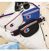 modaya uygun tuval çantaları toptan satış-Trendy Şampiyonlar Mektup Bel Çantası Unisex Tuval Fanny Paketleri Kemer Messenger Göğüs Çanta Alışveriş Seyahat Spor Plaj Makyaj Çantaları paketleri