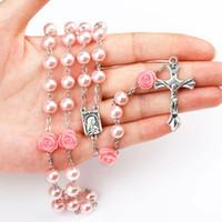 ingrosso pendenti profumati di collane-6 colori rosa profumo profumato legno rosario perline Inri Gesù croce pendente collana cattolica moda religiosa moda donna gioielli M465A