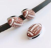 pulseras de rugby al por mayor-10 unids 8 MM claro Rhinestone fútbol encantos de la diapositiva Rugby Beads Fit 8 mm nombre del collar del animal doméstico cinturones pulseras etiquetas del teléfono