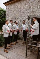 smoking cool achat en gros de-Tuxedos de mariage élégants et garçons d'honneur cool vestes légères et costume pantalon bleu marine sur mesure faire Dîner de mariage costume décontracté