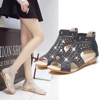 ingrosso cunei neri scavano-Nuovi sandali con strass in metallo per donna primavera estate Scarpe con zeppa in metallo con scollatura romana (nero, oro, beige) Best Peep-toe