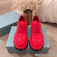 siyah platform oxfords toptan satış-2019 sonbahar ve Küçük Oxford deri ayakkabı Kırmızı, siyah ve beyaz, yeşil içinde kış kalın platform ayakkabılar Rugan Artış