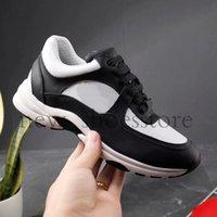 nefes alabilen erkek kıyafeti rahat toptan satış-Bayan Erkek Lüks Tasarımcı Sneakers Ayakkabı En Kaliteli Parti Elbise Rahat Ayakkabılar Yeni Hafif Nefes Sneaker Chaussures