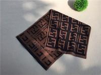 ingrosso tessuto di cotone di qualità-Asciugamano sportivo spesso in spugna di cotone con fettuccia in cotone Lettera F Design Asciugamano semplice Asciugamano di puro colore per uso domestico