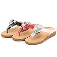 zapatillas bohemias al por mayor-Mariposa de verano Rhinestone Sandalias Zapatos de playa de moda Sandalias y zapatillas de Bohemia Pantalones de suela gruesa ocasionales de las mujeres Zapatillas de deporte