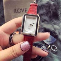 relógios de mulher quartzo de couro venda por atacado-O relógio das mulheres 2019 com tipo de faixa de couro e diâmetro 32mm, movimento de quartzo-bateria com alta qualidade