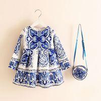 kids puff dresses blue بالجملة-طويلة الأكمام اللباس فتاة اللباس عيد الميلاد 2018 الخريف الشتاء الزهور طباعة طفل فتاة فساتين الاطفال ملابس الأطفال مع حقيبة