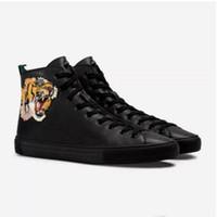 botas italia mulheres venda por atacado-Designer de Botas de couro Genuíno Itália moda Botas Sapatos de Grife homens mulheres sapatos de Moda bordado High Cut Top Sneaker com impressão do tigre