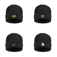 Wholesale purple yellow sports hats resale online - Men Womens Chicago Blackhawks primary logo Stretchy Wool Cap folded Beanie Hat team font ice hockey Camouflage green Sports Fan t shirt