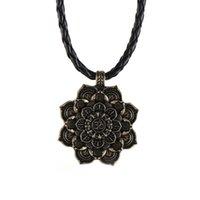 ingrosso pendente di amuleto di buddha-Nuove collane con ciondolo a forma di fiore di loto in lega di mandala vintage per gioielli da donna con ciondolo a catena in pelle con ciondolo Buddha
