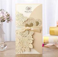 hochzeitsband setzt roségold großhandel-Neue 4 Teile Set Gold Laser Cut Hochzeitseinladungskarte Rose Liebe Herz Grußkarten Anpassen Umschläge Mit Band Event Party Supplies