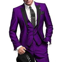 groomsmen smokin mor toptan satış-Moda Mor Damat Smokin Siyah Tepe Yaka Groomsmen Erkek Gelinlik Popüler Adam Ceket Blazer 3 Parça Suit (Ceket + Pantolon + Yelek + Kravat) 979