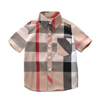 erkekler gündelik giyim tişörtleri toptan satış-Erkek Tasarımcı Gömlek 2019 Yaz Yeni Lüks T Gömlek İngiliz Tarzı Ekose Rahat Beyefendi Çocuk Giyen Çocuk Giysiler Ince Ceketler Tops