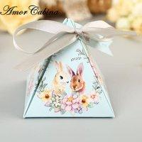 rosa pyramide geschenk-boxen großhandel-50 stücke Rosa / blau Süße Glück Blume Niedlichen Kaninchen Pyramide Hochzeit Süßigkeiten Pralinenschachtel Kinder Party Geschenkbox Mit Band J190706