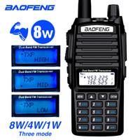 walkie 8w achat en gros de-Baofeng UV-82 8W Radio bidirectionnelle à deux mains avec écouteurs 136-174 / 400-520 MHz FM FM Jambon Talkie Walkie pour émetteur-récepteur extérieur pour adultes