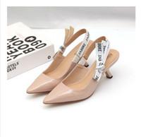 sandalias de marca más bajas al por mayor-2019 Carta Nudo del arco Zapatos de tacón alto Mujeres Runway dedo del pie acentuado Zapatos de tacón bajo Mujer Sandalias de gladiador Señora Diseño de la marca Zapatos planos de malla