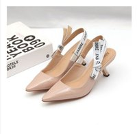 ingrosso appartamenti balerina a punta-2019 Lettera Bow Knot scarpe tacco alto Donne Runway scarpe a punta Tacco basso Donna Sandali Gladiaor Lady Design Brand Maglia scarpe piatte