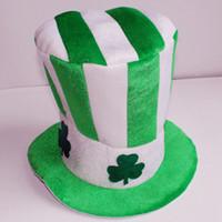 mulher de veludo verde venda por atacado-Infantil Dia de St. Patrick Homens Shamrock Mulheres Hat desempenho verde de três folhas de ouro de veludo Clover Cap férias Supplies